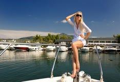 妇女游艇年轻人 库存照片