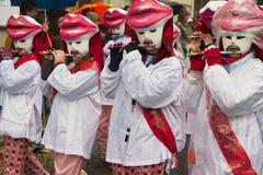 妇女演奏长笛在巴塞尔狂欢节在巴塞尔,瑞士 免版税库存图片
