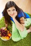 妇女热带水果饮食 库存图片
