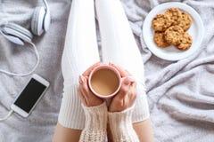 妇女用咖啡 库存照片