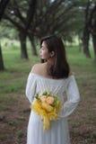 妇女白色服装 免版税库存图片
