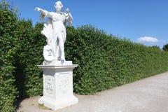 妇女白色雕塑  免版税图库摄影