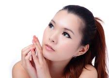妇女的亚洲秀丽关心关闭表面皮肤温&# 图库摄影