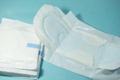 妇女的卫生棉容易地吸收干燥 图库摄影