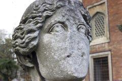 妇女的古老画象雕塑 免版税库存照片
