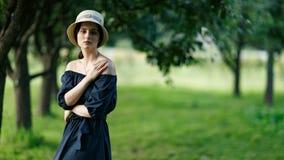 妇女的图象有帽子的 免版税库存图片