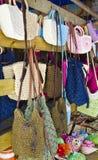 妇女的提包在商店 图库摄影