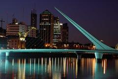 妇女的桥梁,布宜诺斯艾利斯 库存图片