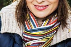 妇女的秋天时尚,女性面孔的细节 库存图片