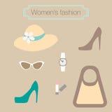 妇女的米黄辅助部件的时尚汇集 免版税库存图片