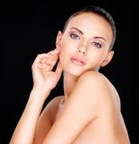 妇女的美丽的肉欲的面孔 免版税库存图片