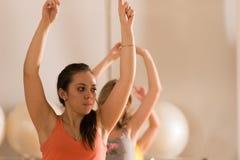 妇女的舞蹈课 库存照片
