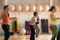 妇女的舞蹈课 免版税库存照片