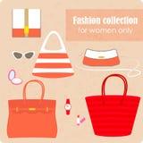 妇女的袋子和辅助部件的时尚汇集 免版税库存照片