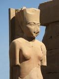 妇女的雕象,卢克索 免版税图库摄影