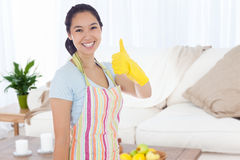 妇女的综合图象清洁的给给赞许穿衣 免版税图库摄影