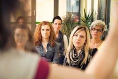 仅妇女研讨会 免版税库存图片