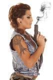 妇女纹身花刺枪外形打击 库存图片
