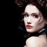 妇女美丽的万圣夜吸血鬼巴落克式样贵族 免版税图库摄影