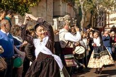 妇女跳舞在巴伦西亚,西班牙 免版税库存图片