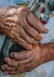 妇女递拿着电动工具 免版税图库摄影