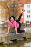 妇女都市体育行使 免版税库存图片