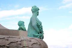 妇女雕塑在布鲁塞尔 库存照片