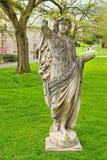 妇女雕塑没有胳膊的在Sanssouci公园在波茨坦 免版税图库摄影