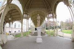妇女雕象在卡洛维变化 免版税库存图片