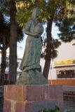 妇女雕象在阿特纳拉村庄,底漆Premio 图库摄影