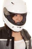妇女骑自行车的人盔甲神色边 图库摄影