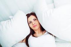 妇女以失眠 免版税库存图片