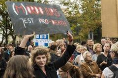 妇女黑抗议在华沙 免版税图库摄影