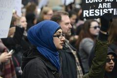 妇女3月在多伦多 库存图片