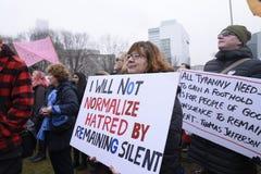 妇女3月在多伦多 库存照片