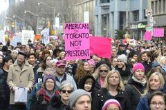 妇女3月在多伦多 图库摄影