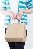 妇女购物 免版税图库摄影