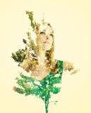 妇女画象有叶子的 免版税库存照片
