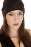 妇女黑非常严肃上面和的黑帽会议 库存图片