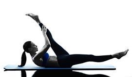 妇女pilates被隔绝的锻炼健身 库存照片