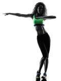 妇女zumba舞蹈家跳舞行使剪影 图库摄影