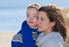 妈妈和儿子 免版税库存图片