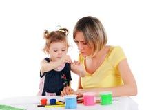 妈妈和她的小女儿 免版税库存图片