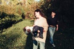 妈妈爸爸和儿子 免版税库存图片