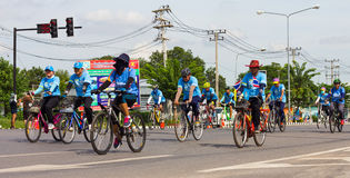 妈妈的自行车在泰国 免版税图库摄影