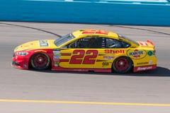 妖怪能量NASCAR杯司机Joey Logano 免版税库存照片