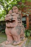 妖怪雕塑,多孔黏土rgb 库存图片