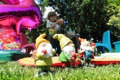 妖精在庭院里 图库摄影