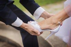 妻子和新娘在一婚礼之日 免版税库存照片
