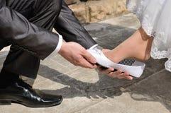 妻子和新娘在一婚礼之日 免版税库存图片